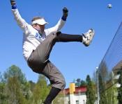 Timo Vorne harjoittelee Tellervonkadun puistossa